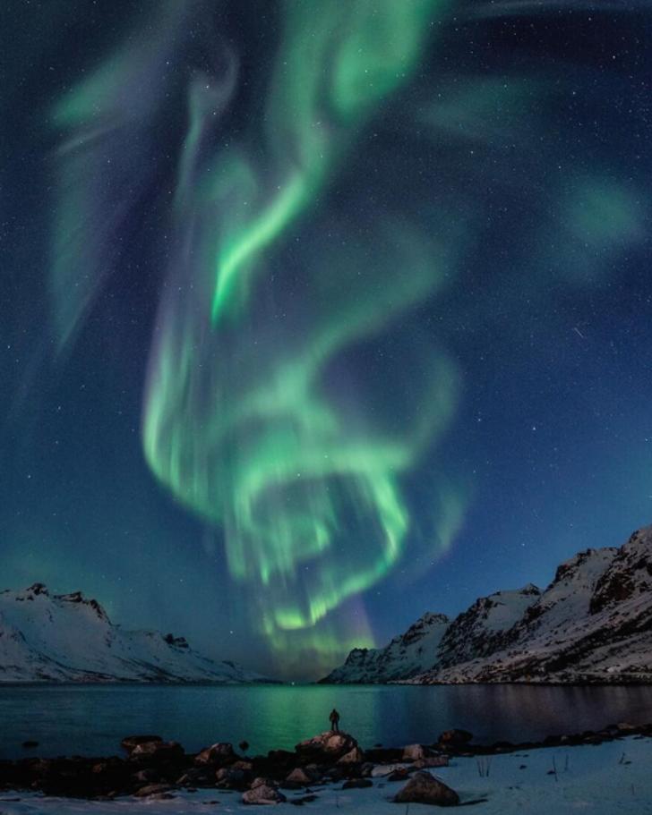 Gökyüzünün bambaşka bir görüntüye büründüğü ana gidiyoruz! Görenleri kendine hayran bırakan Kuzey Işıkları'nın en güzel fotoğrafları!