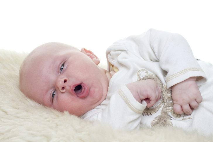 Bebeklerde öksürük neden olur, nasıl geçer?