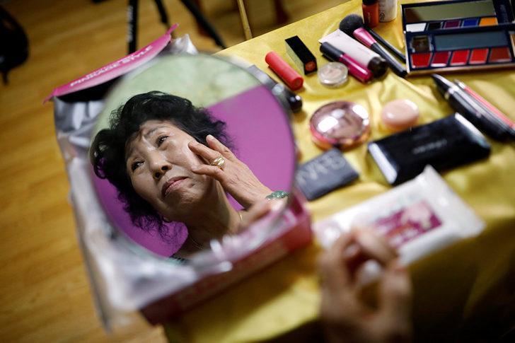 Bu büyükanne başka: 70 yaşındaki Park Mak-rye'nin makyaj kanalına hoş geldiniz!