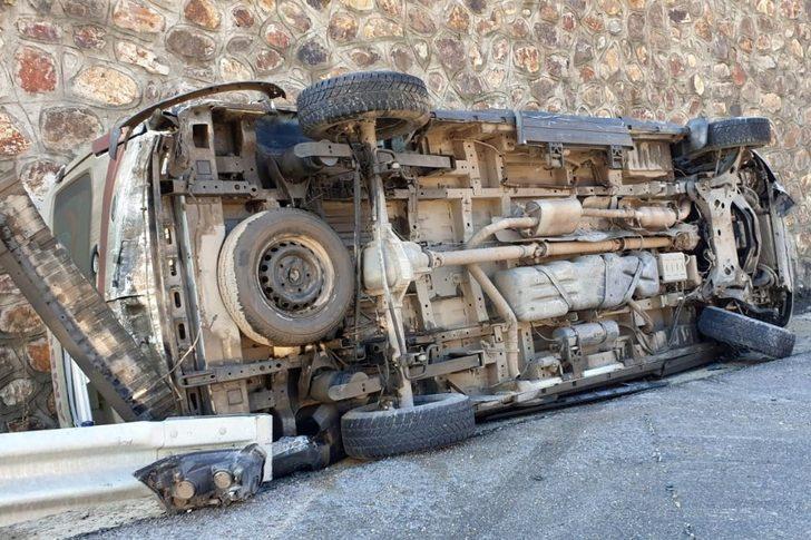 Gümüşhane'de ambulans kaza yaptı: 2 sağlıkçı yaralandı