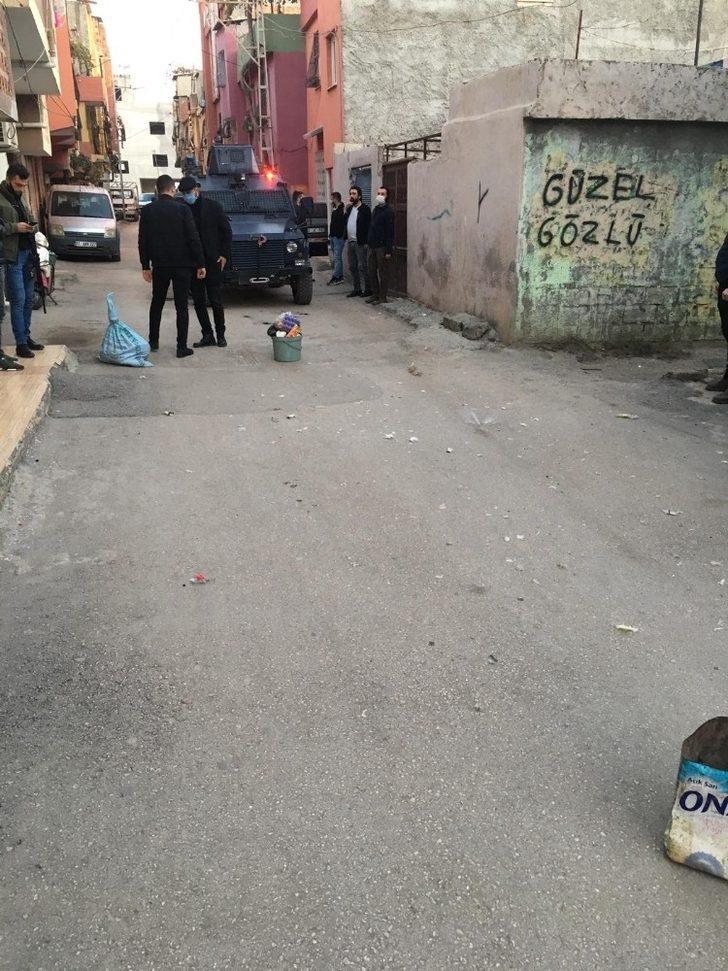 Adana'da çöp kutusunda ses bombası patladı