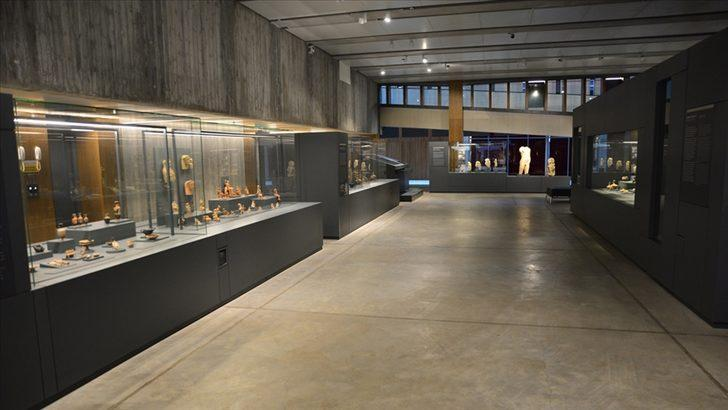 Evden çıkmadan müze gezmek mümkün! İnternetten gezilebilen müzelere yenileri eklendi! İşte Türkiye'deki sanal müzeler