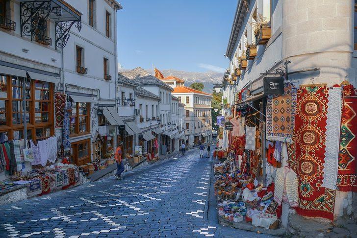 Arnavutluk nerede, nasıl bir ülke? Nüfusu kaç; parası, dini, dili, başkenti nedir?