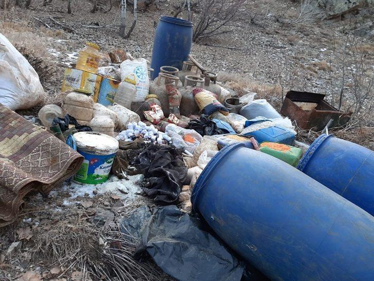 Bitlis'te patlayıcı yapımında kullanılan malzemeler ele geçirildi