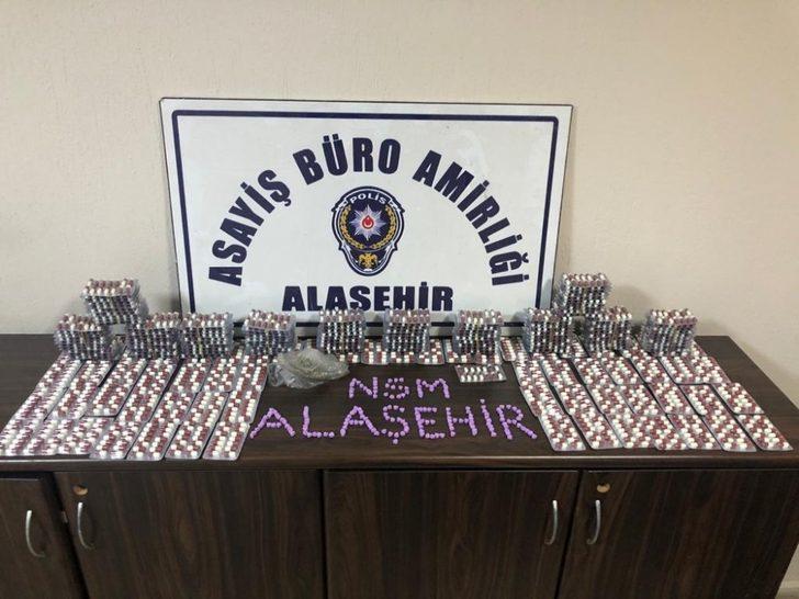 Alaşehir polisi 2 bin 781 adet uyuşturucu hap ele geçirdi