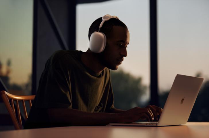 AirPods ailesi büyüyor: Apple AirPods Max Sport'u üretebilir!