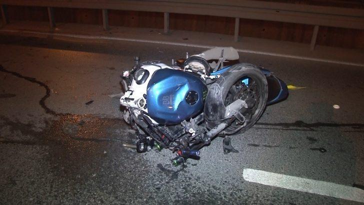 Zeytinburnu'nda feci kaza! Motosiklet ikiye ayrıldı: 2 ağır yaralı