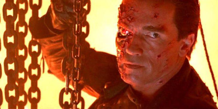 Arnold Schwarzenegger'in bu hali kızını ağlattı