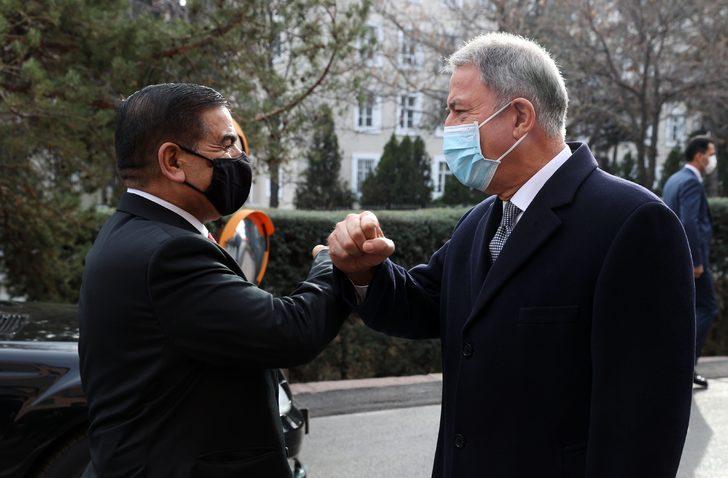 Bakan Akar, Iraklı mevkidaşı Saadoonn ile görüştü