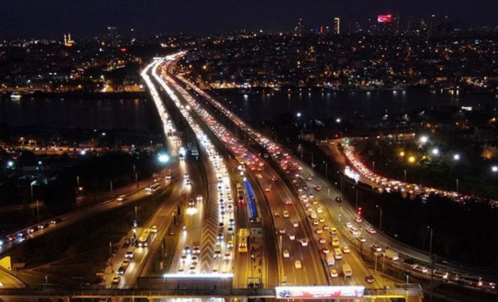 İstanbullular dikkat! Trafik yoğunluğu yüzde 71'e ulaştı