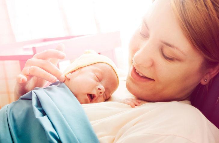 Bebekler bizi kandırıyor: Cenneti andıran bebek kokusunun altında yatan tatlı gerçekler