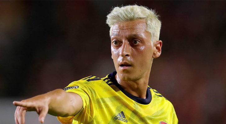 BOMBA İDDİA! Fenerbahçe, Mesut Özil ile her konuda anlaştı!