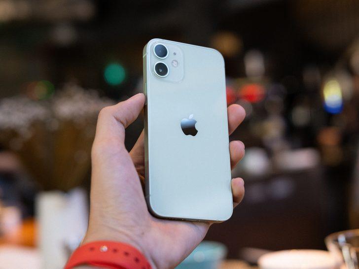 Rapor: iPhone 12 mini'nin satışları da 'mini' oldu!
