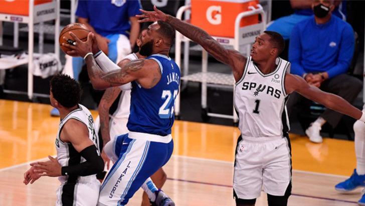 NBA'de Spurs, Lakers'ın serisine son verdi