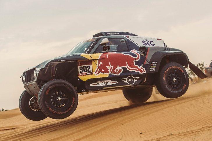 Dakar Rallisi'nde ilk haftayı Peterhansel zirvede tamamladı