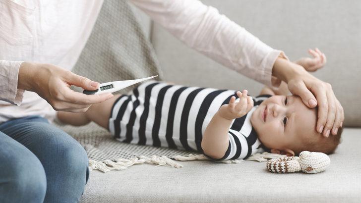 Bebeklerde diş çıkarma ateşi nasıl kontrol altına alınır? Bu belirtilere dikkat