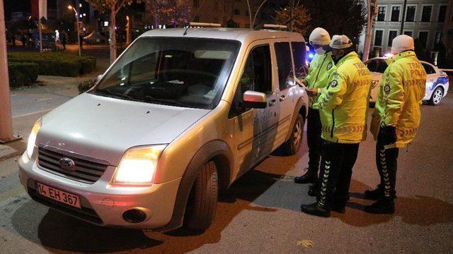 Bolu'da sokağa çıkma kısıtlamasına uymayan 59 kişiye 42 bin TL ceza