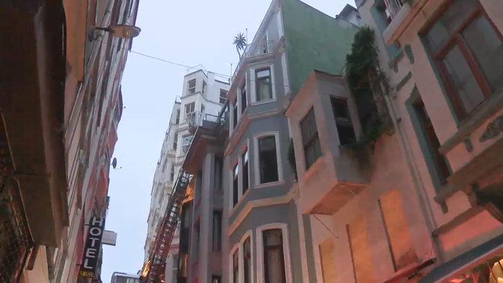 Beyoğlu'nda otelde korkutan yangın