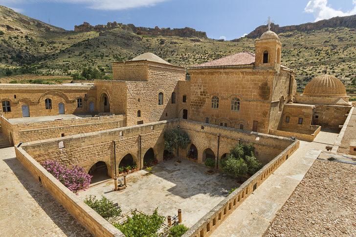 Deyrulzafaran Manastırı nerede, nasıl gidilir? Deyrulzafaran Manastırı hikayesi, giriş ücreti, ziyaret saatleri