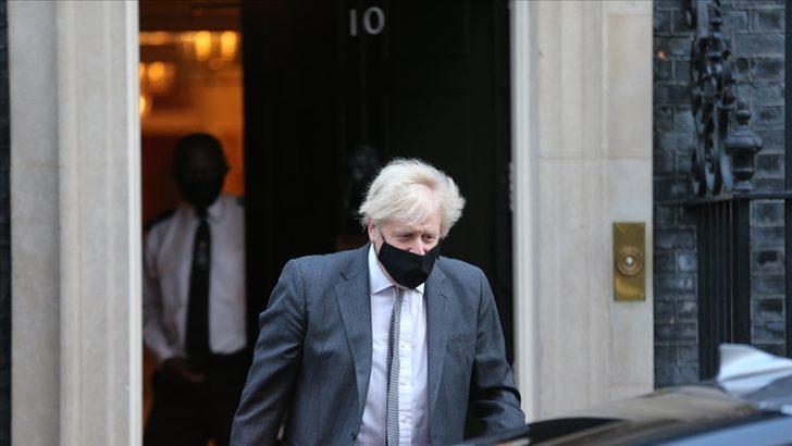 İngiltere Başbakanı Johnson: Yoğun bakım üniteleri çok büyük risk altında