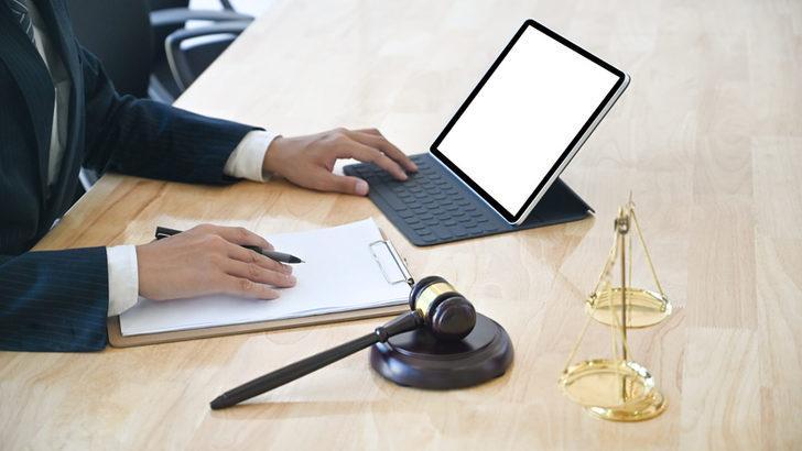 Parayla tez yazdırmanın cezası 2021... Ücretli tez yazdırmanın cezası nedir? Para karşılığı tez yazdırmaya hapis cezası!