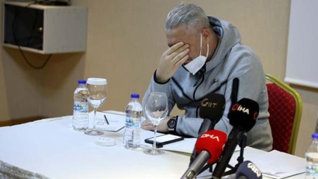 Sumudica basın toplantısında ağladı