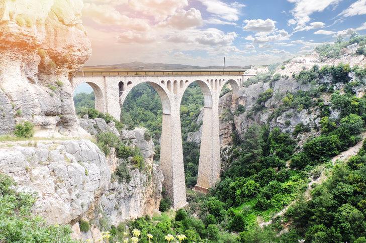 Varda Köprüsü nerede, nasıl gidilir? Varda köprüsü tarihi, hikayesi, yol tarifi - Varda Köprüsü Adana