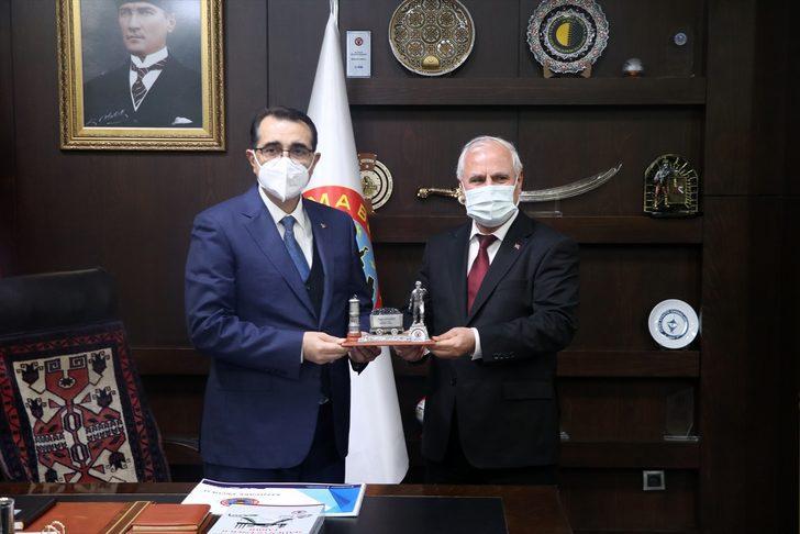 Enerji ve Tabii Kaynaklar Bakanı Fatih Dönmez, Soma Belediyesini ziyaret etti