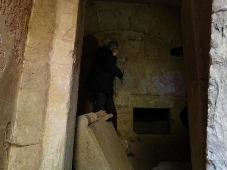 2001 yılında bulundu! 2500 yıllık mezar oda gizemini koruyor