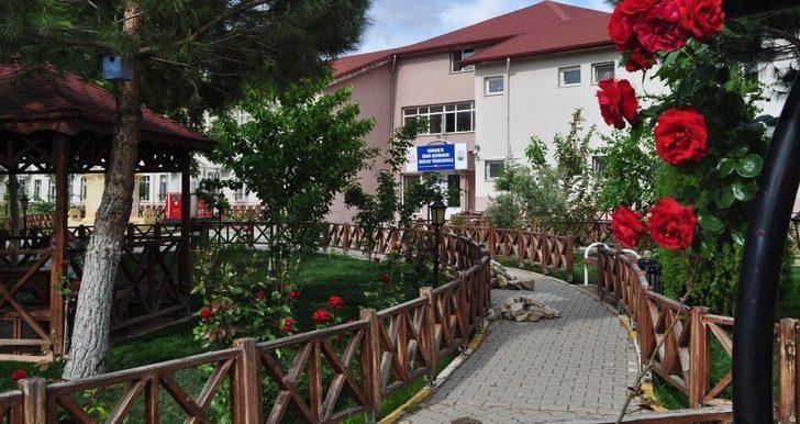 Osmancık MYO'lu mezunlardan KPSS'de büyük başarı