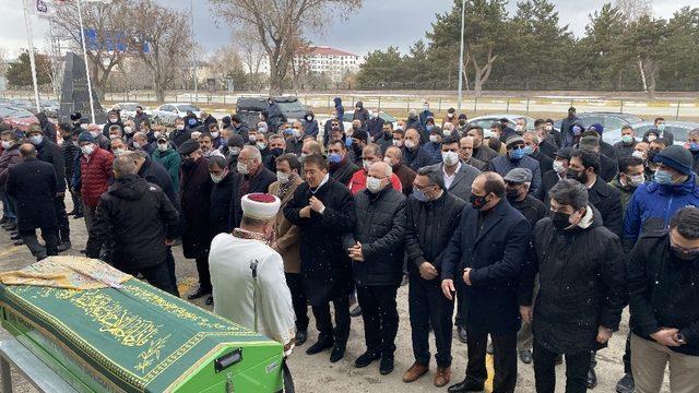 MHP Genel Başkan Yardımcısı Aydın'ın annesi son yolculuğuna uğurlandı