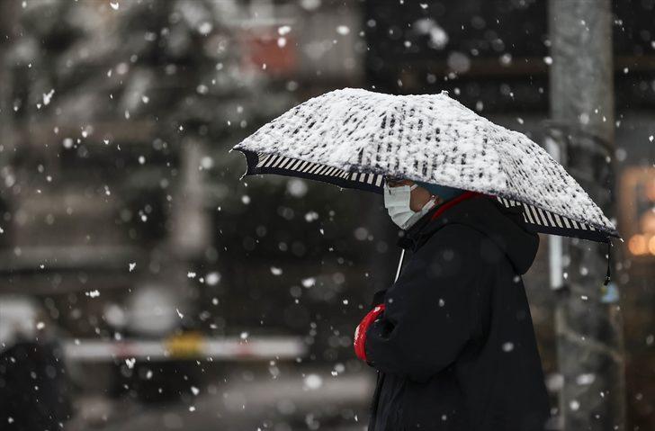 İstanbul'a kar geliyor! Saat vererek ilçeleri tek tek saydı (Meteoroloji'den son hava durumu tahminleri)