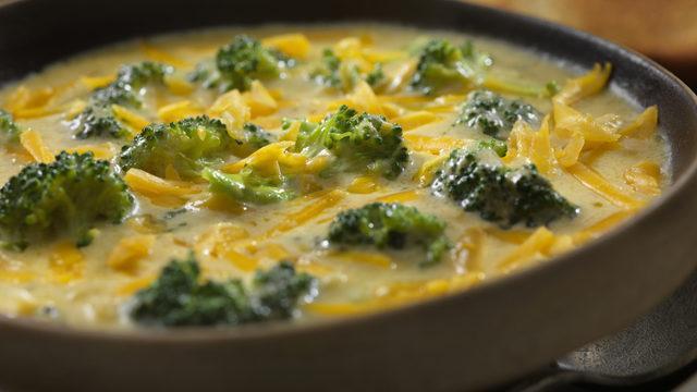 Yedikçe yedirtecek tarif! Brokoli çorbası nasıl yapılır?