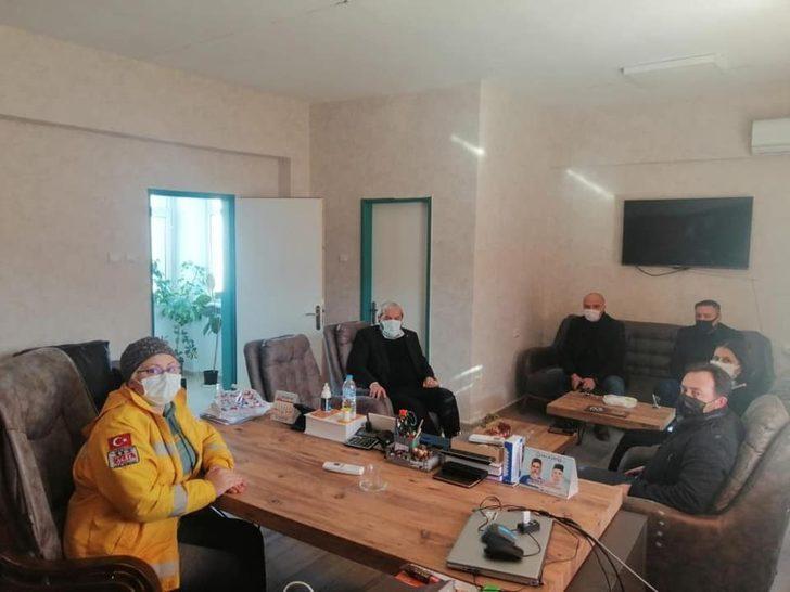 Siyasi heyetten Selahattin Çetintaş Hastanesine moral ziyareti