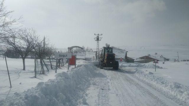 Malatya'da kar nedeniyle 698 mahalle yolunu ulaşıma açtı