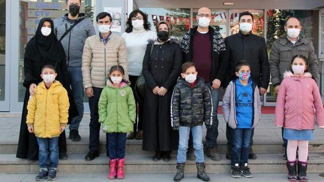 Öğrenciler işaret dili ile korona virüse karşı uyardı