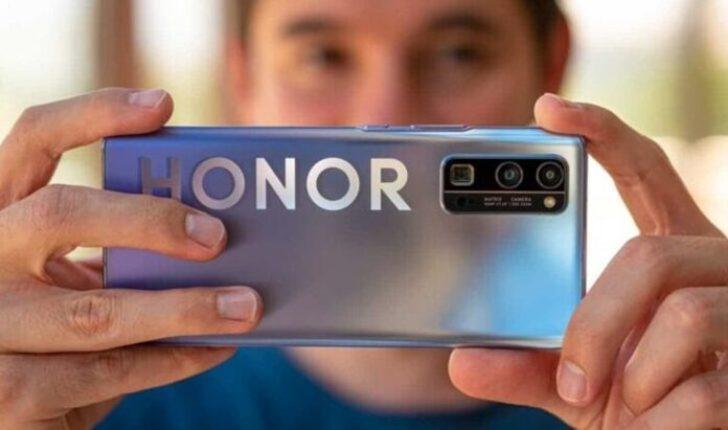 Honor V40 için Google Play sürprizi