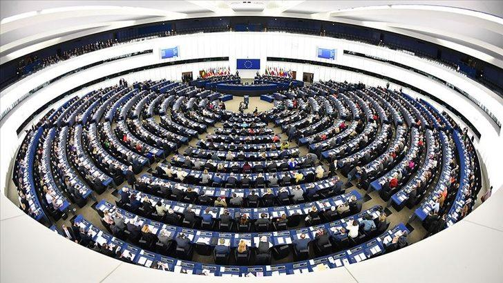 """Avrupa Parlamentosu'ndan işverene mesai dışında """"çalışanı rahatsız etme"""" mesajı"""