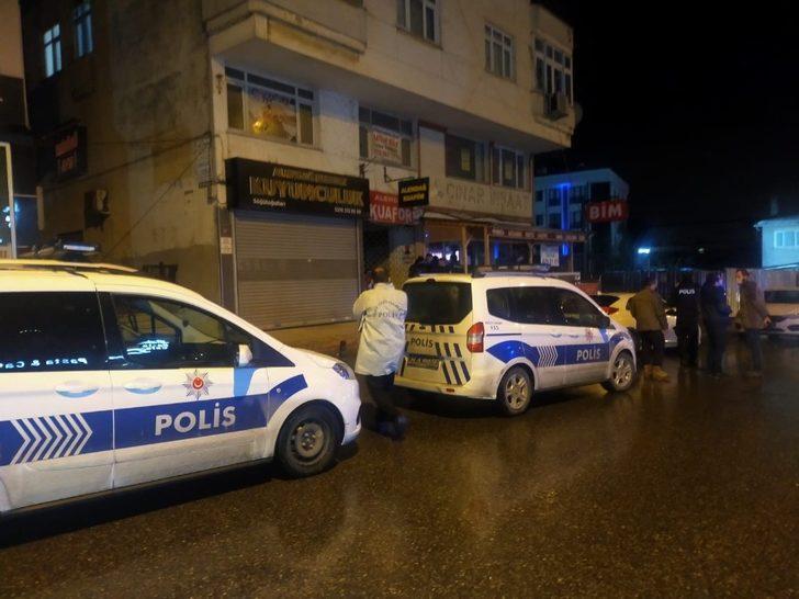 Çekmeköy'de hareketli anlar: Kuyumcuyu soyan hırsız kıskıvrak yakalandı