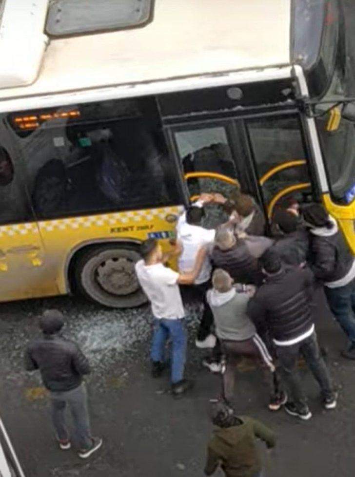 İstanbul'da otobüsün camını kırıp şoförü ve oğlunu darp ettiler