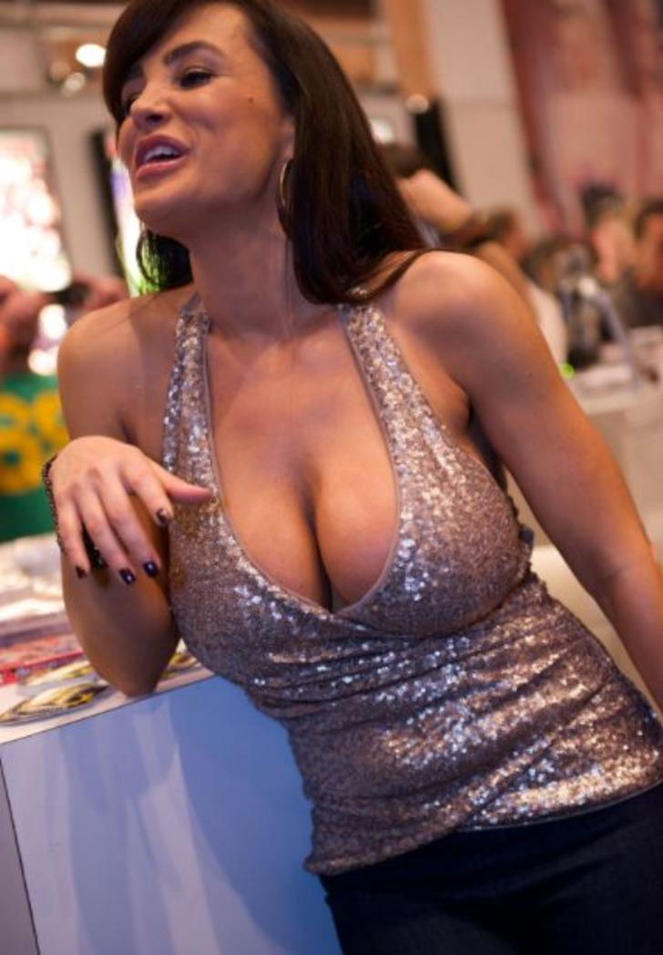 Cinsel içerikli film yıldızı Lisa Ann'ın Türkiye itirafı şaşırttı!