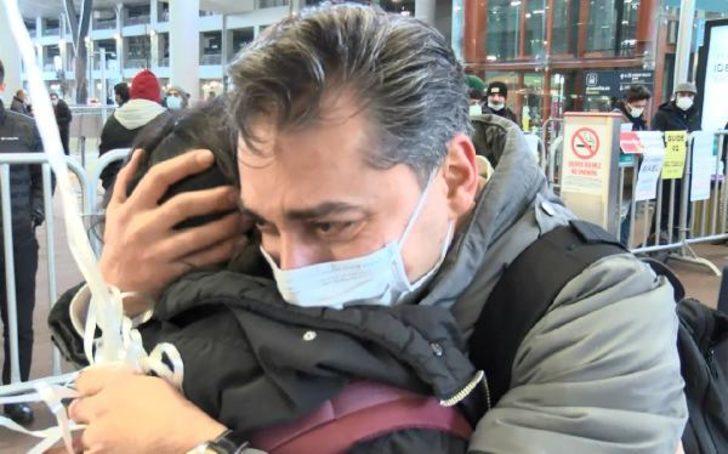 İranlı baba ve kızının 10 yıl sonra İstanbul'da ağlatan buluşması