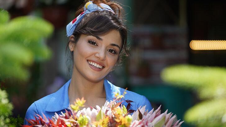 Hande Erçel'in yeğeni Aylin Mavi'yle pozlarına milyonlarca beğeni geldi!