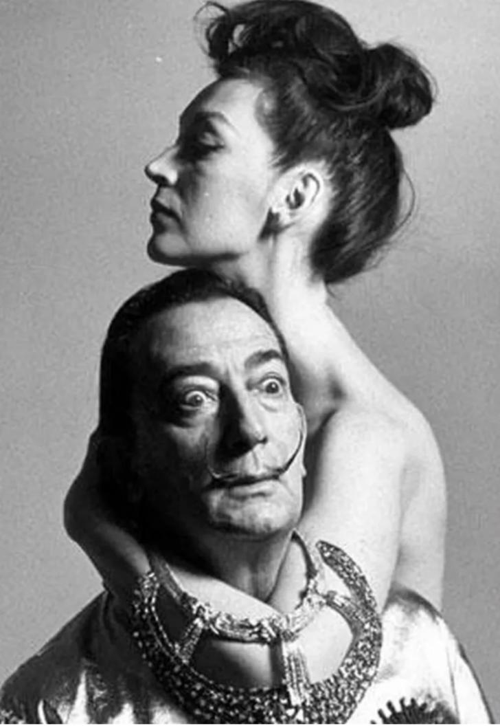 Hayatı boyunca cinsel ilişkiye girmeyen Salvador Dali ve karısı Gala arasındaki dillere destan aşk hikayesi!