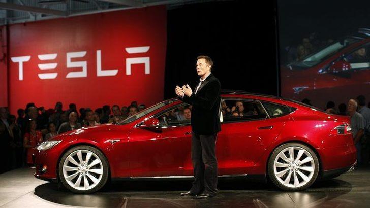 Google'ın sürücüsüz otomobil şirketi Waymo'nun CEO'su: Tesla yanlış yolda!