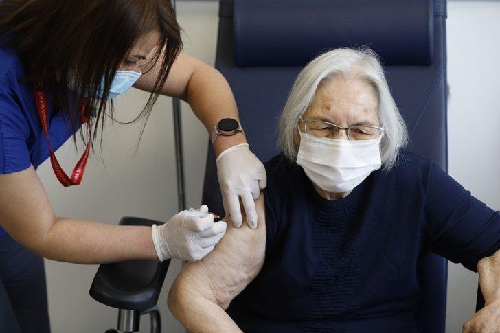 Koronavirüs aşısında 80 yaş ve üzeri için aşılama başladı