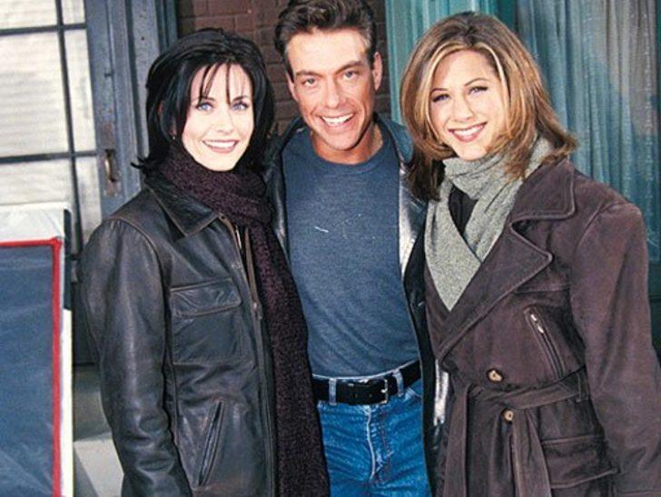 Friends dizisinden olay Jean-Claude Van Damme itirafı: Dilini ağzına sokunca...