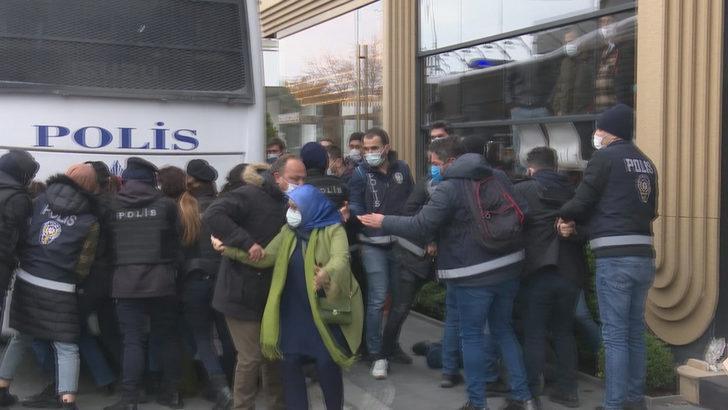 Boğaziçi Üniversitesi çevresinde toplanan gruplara gözaltı