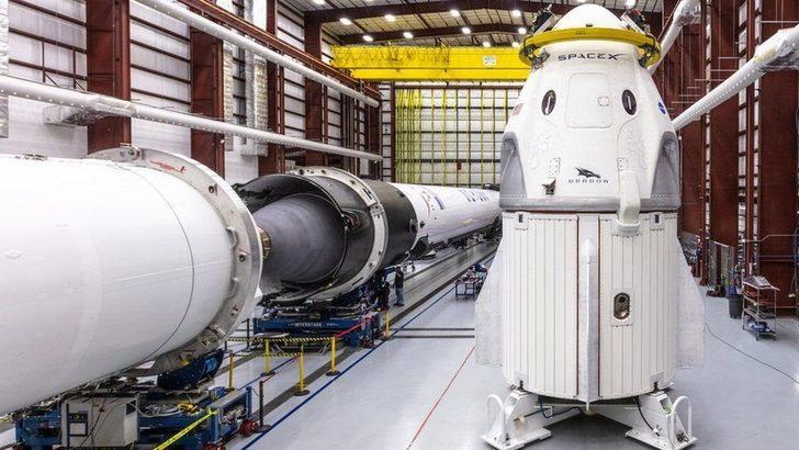 SpaceX'in tamamen sivillerin katılacağı ilk uzay yolculuğuna çıkacak 4. kişi çekilişle belirlenecek