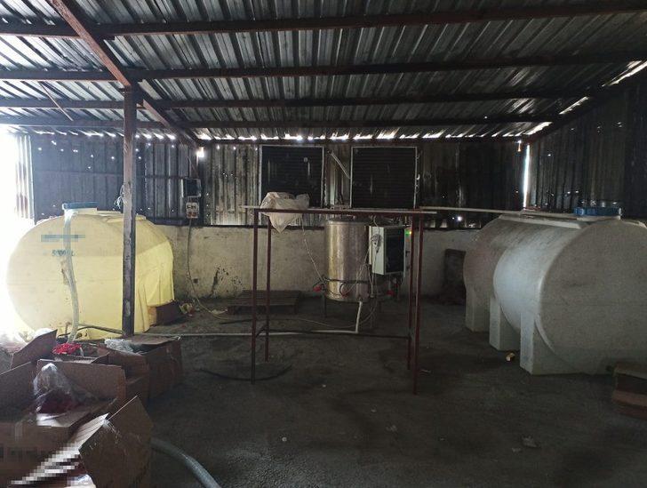 Sultangazi'de polisten sahte alkol imalathanesine baskın